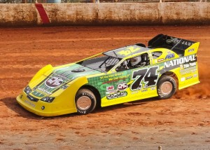Craig Reece leads flag to flag in Dixie Speedway's CRATE Championship event.